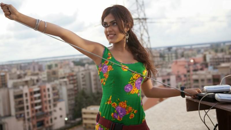 Sonali Cable movie pics