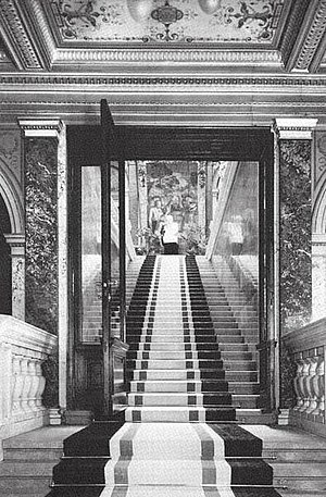 300px-4_The_grand_staircase_in_the_Alleegasse